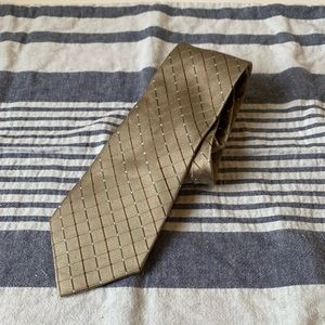 Geoffrey Beene tan tie diamond pattern